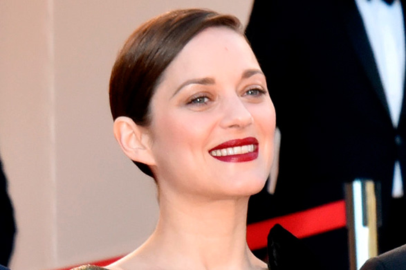 premiere-From-Land-Moon-Marion-Cotillard-let