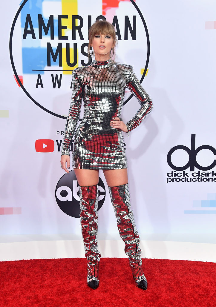 LOS ANGELES, CA - OCTOBER 09:  Taylor Swift attends the 2018 American Music Awards at Microsoft Theater on October 9, 2018 in Los Angeles, California.  (Photo by Frazer Harrison/Getty Images)