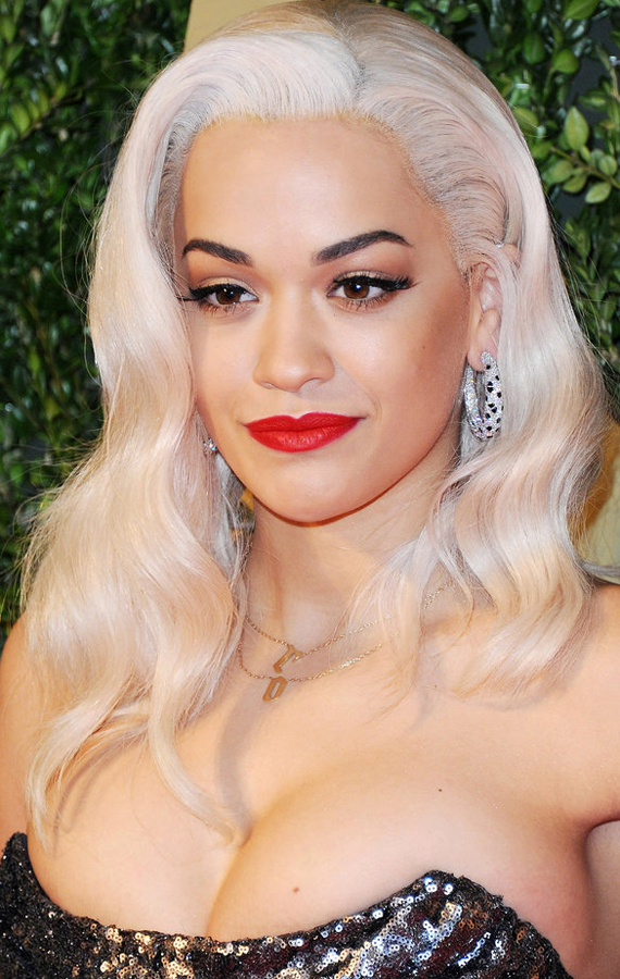 5Rita-Ora-added-some-length-her-hair-platinum-blond-wig-which-she-paired-bold-brows-bright-red-lipstick