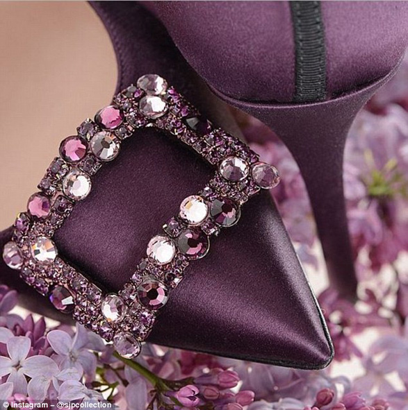 296C99ED00000578-3114302-The_actress_designer_debuted_these_Mary_heels_in_rich_purple_on_-a-91_1433691035382