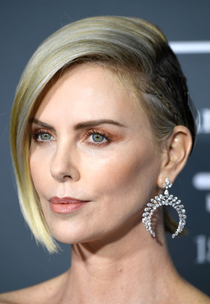 SANTA MONICA, CA - JANUARY 13:  Charlize Theron  attends the 24th annual Critics' Choice Awards at Barker Hangar on January 13, 2019 in Santa Monica, California.  (Photo by Frazer Harrison/Getty Images)