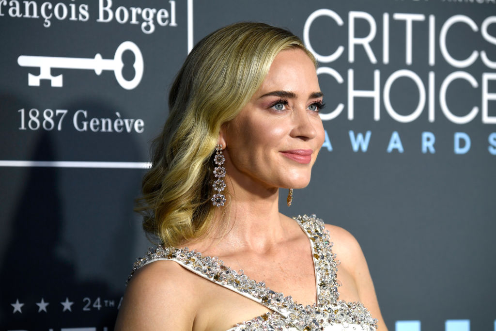 SANTA MONICA, CA - JANUARY 13:  Emily Blunt attends the 24th annual Critics' Choice Awards at Barker Hangar on January 13, 2019 in Santa Monica, California.  (Photo by Frazer Harrison/Getty Images)