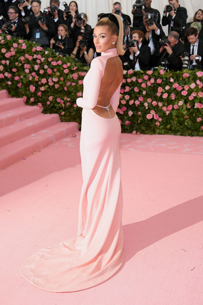 NEW YORK, NEW YORK - MAY 06: Hailey Bieber attends The 2019 Met Gala Celebrating Camp: Notes on Fashion at Metropolitan Museum of Art on May 06, 2019 in New York City. (Photo by Neilson Barnard/Getty Images)