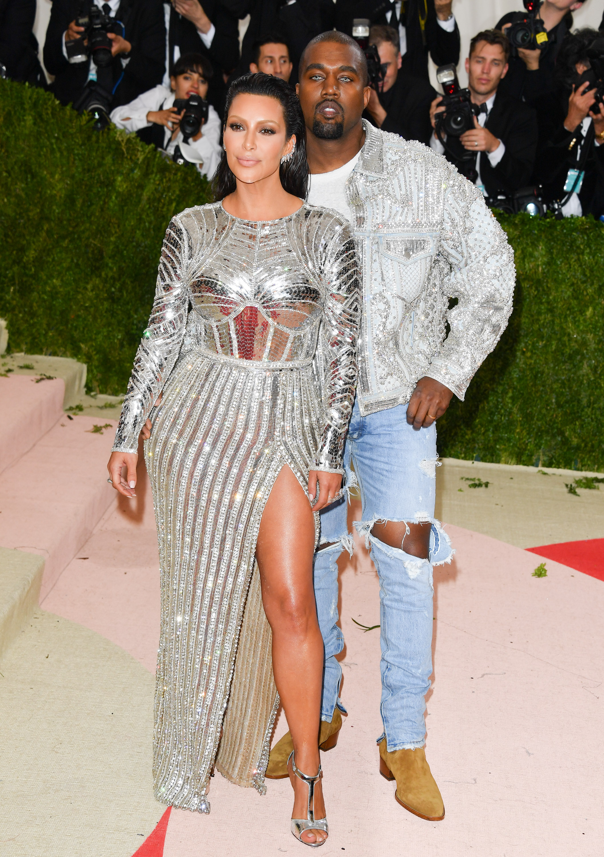 NEW YORK, NY - MAY 02:  Kim Kardashian (L) and Kanye West attend the 'Manus x Machina: Fashion in an Age of Technology' Costume Institute Gala at the Metropolitan Museum of Art on May 2, 2016 in New York City.  (Photo by George Pimentel/WireImage)