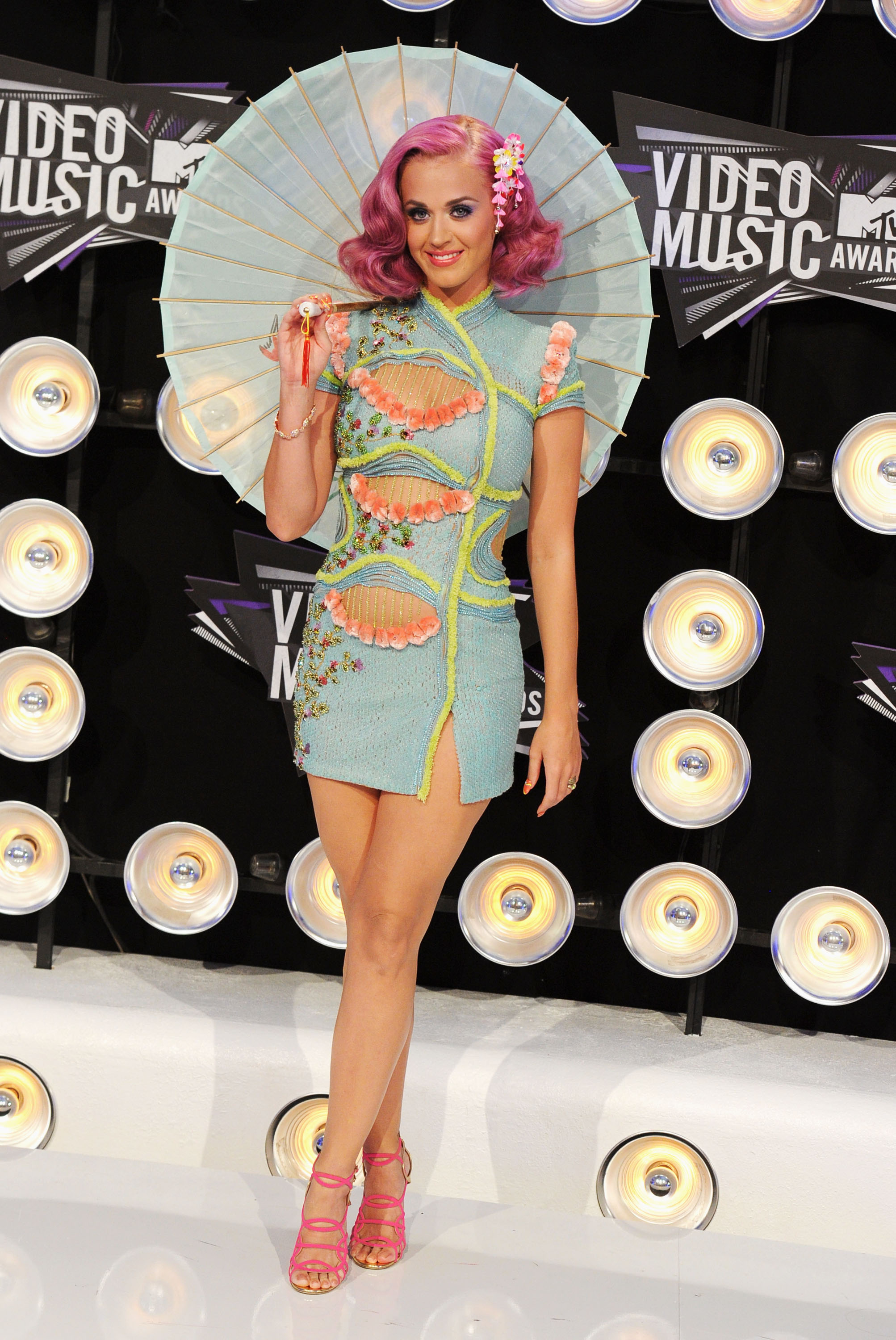 LOS ANGELES, CA - AUGUST 28:  Singer Katy Perry arrives at the The 28th Annual MTV Video Music Awards at Nokia Theatre L.A. LIVE on August 28, 2011 in Los Angeles, California.  (Photo by Steve Granitz/WireImage)