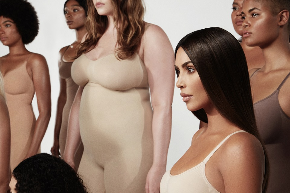 kim-kardashian-skims-with-models-1